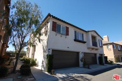 Saugus Condo/Townhouse For Sale: 19508 Laroda Lane #214