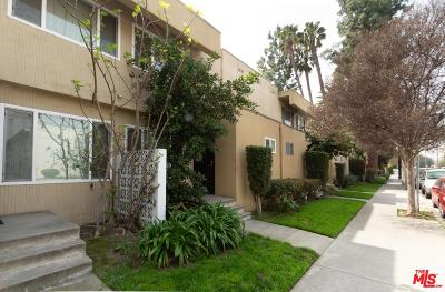 Studio City Condo/Townhouse Active Under Contract: 11138 Aqua Vista Street #41