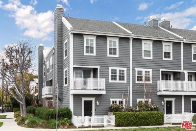 Studio City Condo/Townhouse Active Under Contract: 11635 Woodbridge Street #1