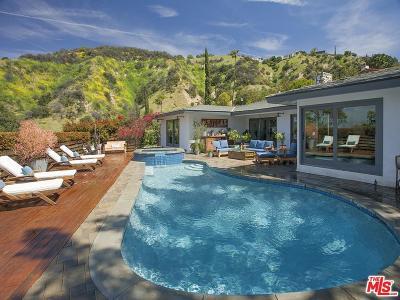 Sherman Oaks Single Family Home Active Under Contract: 14889 Jadestone Drive