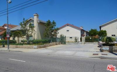 Sylmar Condo/Townhouse For Sale: 13421 Hubbard Street #102