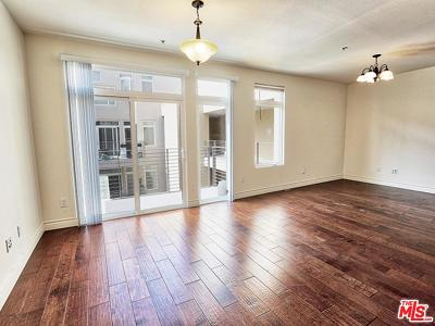 Burbank Condo/Townhouse For Sale: 250 North First Street #525