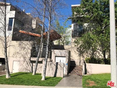 Studio City Condo/Townhouse For Sale: 11815 Laurelwood Drive #15