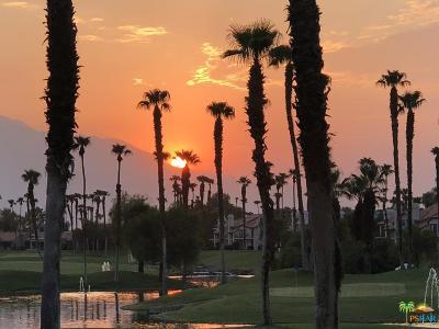 Palm Desert Condo/Townhouse For Sale: 38275 Crocus Lane