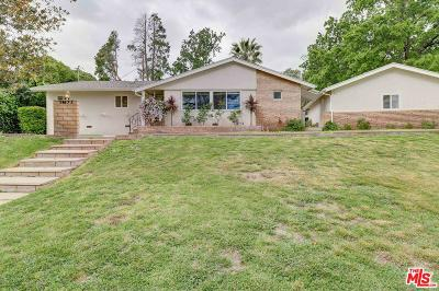 Newhall Single Family Home For Sale: 24833 Peachland Avenue
