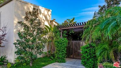 Tarzana Condo/Townhouse For Sale: 18350 Hatteras Street #215