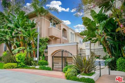 Los Angeles Condo/Townhouse Active Under Contract: 2022 South Barrington Avenue #1A