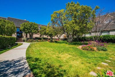 Los Angeles Condo/Townhouse Active Under Contract: 2385 Roscomare Road #B8