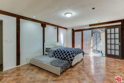 Los Angeles Single Family Home For Sale: 923 East 118th Place