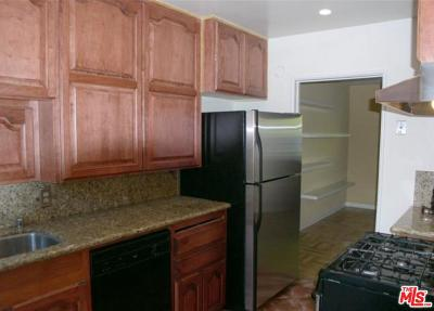 Los Angeles Condo/Townhouse For Sale: 5406 Village Green