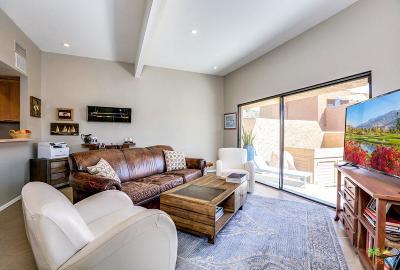 Palm Desert Condo/Townhouse For Sale: 73483 Foxtail Lane