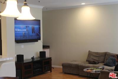 Encino Condo/Townhouse For Sale: 5350 White Oak Avenue #104