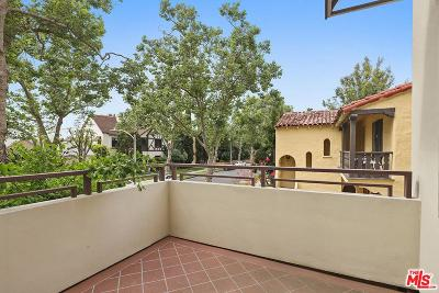 Beverly Hills Condo/Townhouse Active Under Contract: 130 North Swall Drive #201