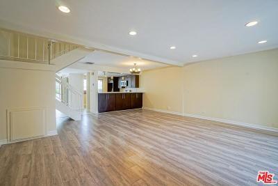 Woodland Hills Rental For Rent: 5760 Owensmouth Avenue #14