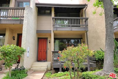 Woodland Hills Condo/Townhouse For Sale: 21901 Burbank Blvd #168
