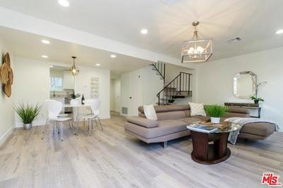 Los Angeles County Condo/Townhouse For Sale: 20718 Devonshire Street #E