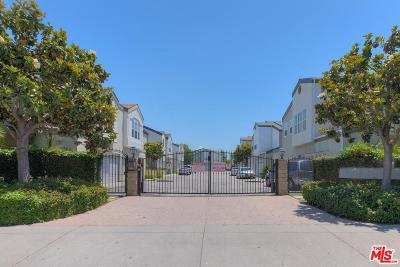 North Hills Single Family Home For Sale: 9146 Lemona Avenue #114