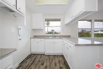 Los Angeles Condo/Townhouse Active Under Contract: 5805 Bowcroft Street #3