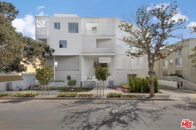 Los Angeles County Condo/Townhouse Active Under Contract: 1030 North Kings Road #402