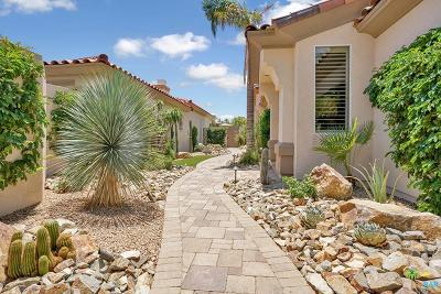 Palm Desert Single Family Home For Sale: 513 North Falcon View Circle