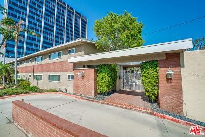 Encino Condo/Townhouse Active Under Contract: 4610 Densmore Avenue #105
