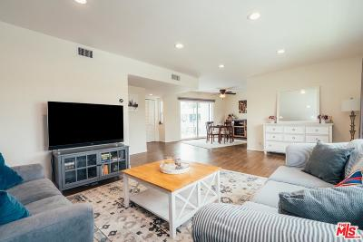 North Hollywood Condo/Townhouse Active Under Contract: 6130 Coldwater Canyon Avenue #2