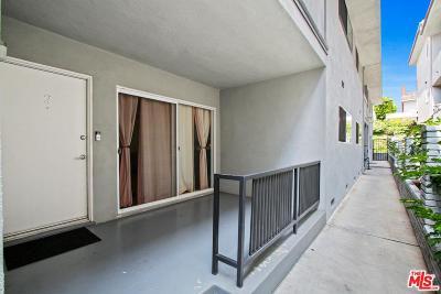 Los Angeles Condo/Townhouse Active Under Contract: 6616 Springpark Avenue #2