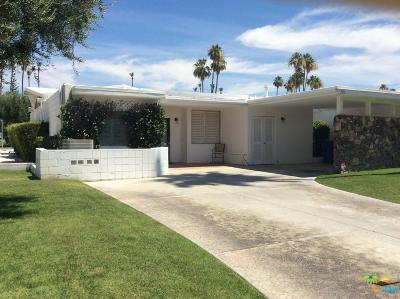 Palm Springs Condo/Townhouse For Sale: 302 East Avenida Granada