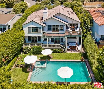 Pacific Palisades Single Family Home For Sale: 14742 Mc Kendree Avenue