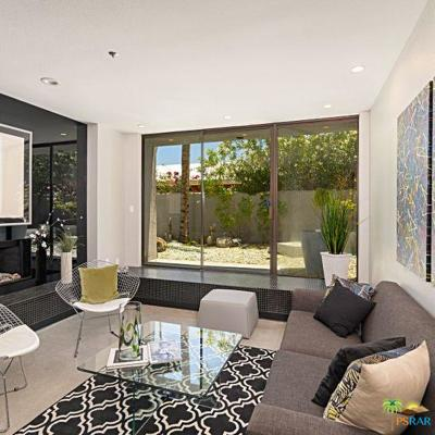 Palm Springs Condo/Townhouse For Sale: 220 West Stevens Road