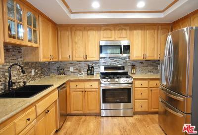 Sherman Oaks Condo/Townhouse For Sale: 5540 Sylmar Avenue #2