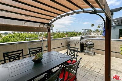 Los Angeles County Single Family Home For Sale: 115 North Manhattan Place