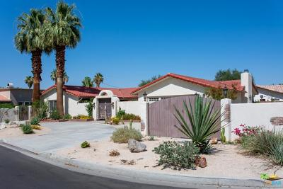 La Quinta Single Family Home Active Under Contract: 51100 Calle Quito