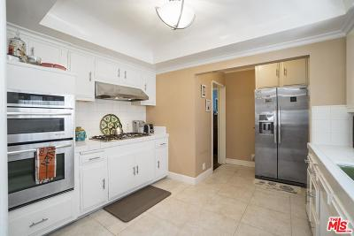 Los Angeles CA Single Family Home For Sale: $440,000