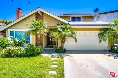 Valley Village Single Family Home For Sale: 5528 Voletta Place