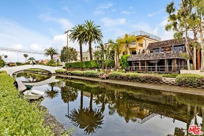 Venice Single Family Home For Sale: 409 Sherman Canal