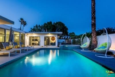 Palm Springs Single Family Home For Sale: 941 East Chia Road