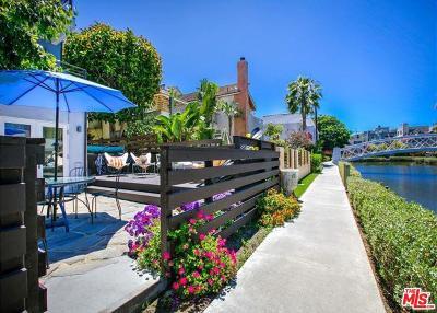 Venice Single Family Home For Sale: 218 Carroll Canal