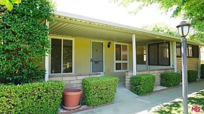 Newhall Condo/Townhouse For Sale: 19207 Avenue Of The Oaks #B