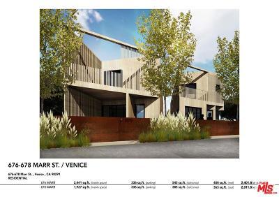 Venice Single Family Home For Sale: 678 Marr Street