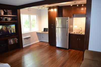 Agoura Hills Condo/Townhouse For Sale: 28947 Thousand Oaks Boulevard #130