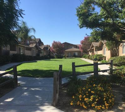 Simi Valley Condo/Townhouse For Sale: 4512 Apricot Road #A