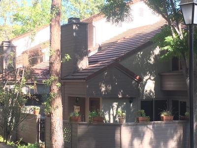 Westlake Village Condo/Townhouse For Sale: 146 Via Colinas