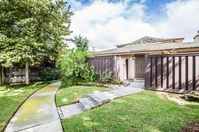 Agoura Hills Condo/Townhouse For Sale: 28957 Oakpath Drive