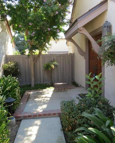 Simi Valley Condo/Townhouse For Sale: 1868 Suntree Lane
