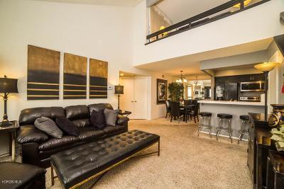Simi Valley Condo/Townhouse For Sale: 1190 Tivoli Lane #216