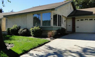 Camarillo Condo/Townhouse For Sale: 7111 Village 7
