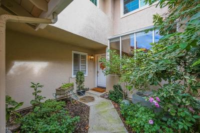 Simi Valley Condo/Townhouse For Sale: 600 Kingswood Lane #E