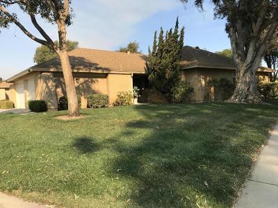 Camarillo Condo/Townhouse For Sale: 5102 Village 5