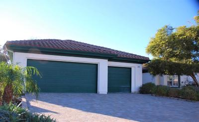Camarillo Single Family Home For Sale: 61 Serape Place